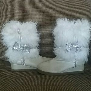 Justice fuzzy boots
